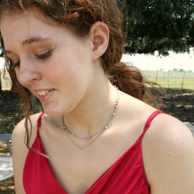 Девушка в слюнях фото 371-492