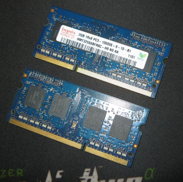 продам/обменяю SO-DIMM DDR3 Hynix 1333MHz 2x2Gb Москва