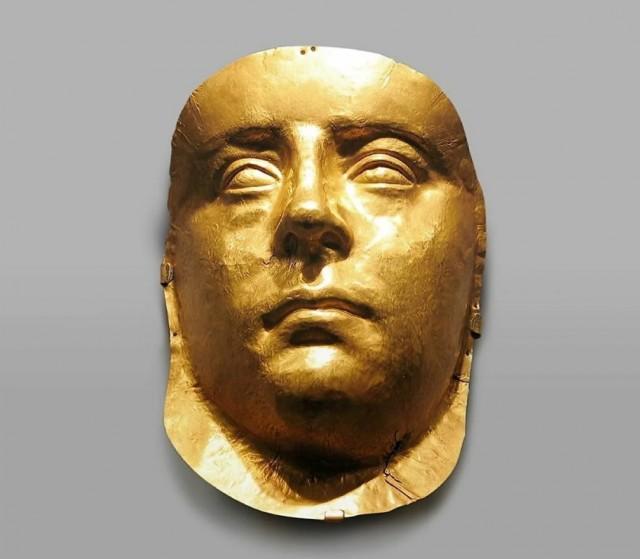 Некто странный с золотым лицом: тайна погребального кургана у села Глинище