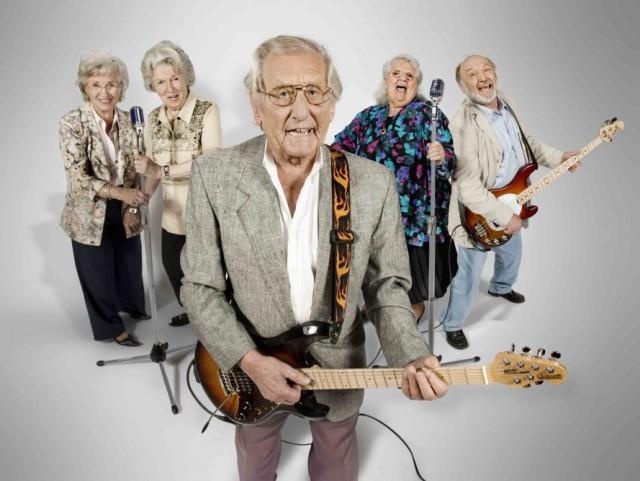 Старики на работе