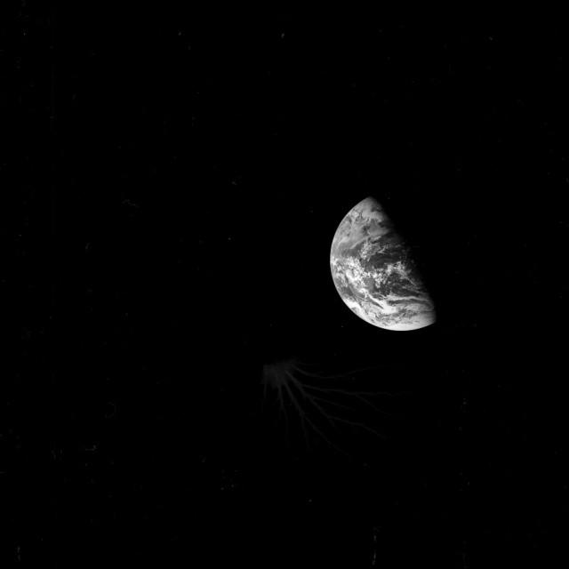 Аномалия на снимке миссии Аполлон-8