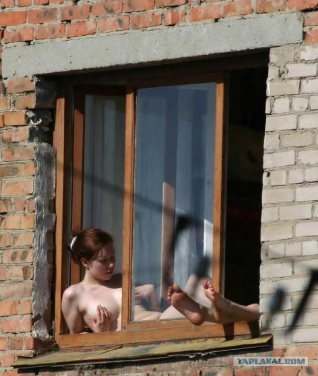 подсмотренное фото в окна домов за голыми женщинами