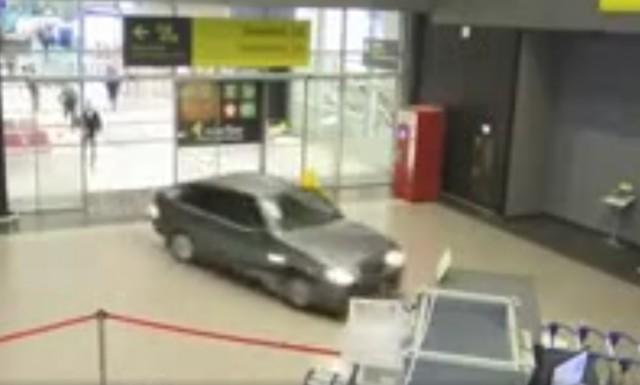 Водитель, который протаранил казанский аэропорт, избежал уголовной ответственности