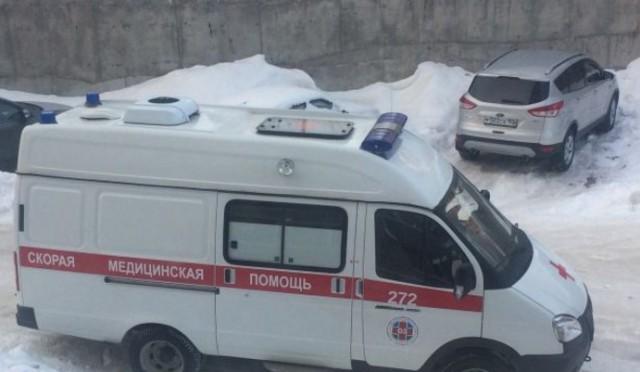 В Уфе бабушка выпала с окна девятого этажа. Но спасателям пришлось навестить ее дважды