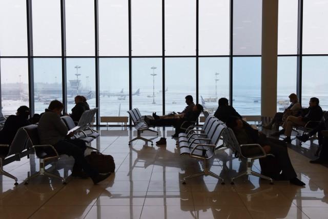 В Шереметьево назвали экстренно необходимым разрешение на курение в аэропортах