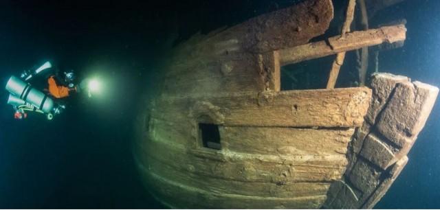 На дне Балтики нашли старинный 400-летний корабль.