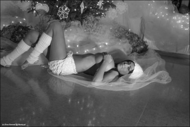 Новогодний фотосет от звезды ЯПа: Ewa Sonnet (16+)