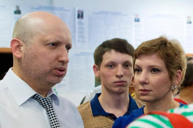 Турчинов уволил военкома за повестку сыну