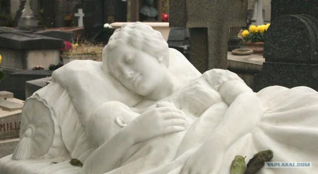 Красивые надгробия и Странные памятники