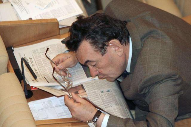 Госдума РФ решила начинать заседания с 12 часов. Потому, что работать с 10 утра - это слишком рано