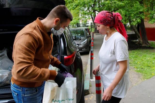 Миллионы трудовых мигрантов оказались в России без работы