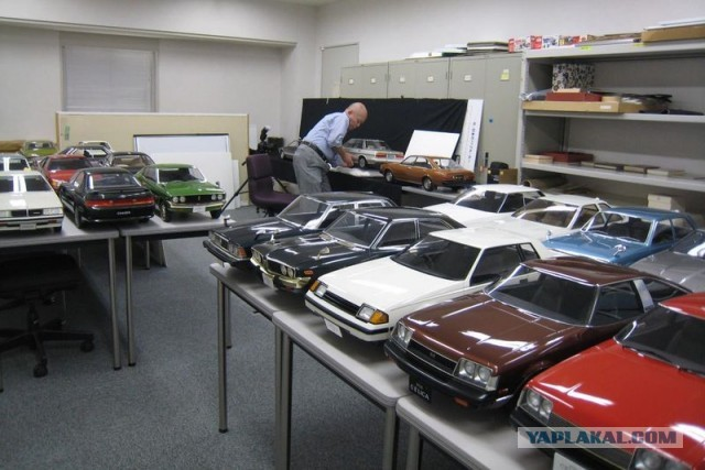 фото автомобилей с фотомоделями