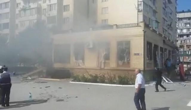 Взрыв в банкетном зале Махачкалы прогремел во время свадьбы