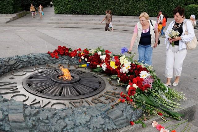 Возле парка Вечной Славы в Киеве произошла потасовка между полицией и националистами