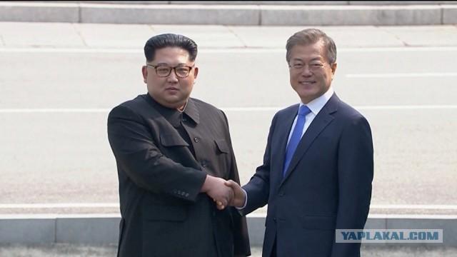 Лидеры КНДР и Южной Кореи встретились на демаркационной линии впервые за 68 лет