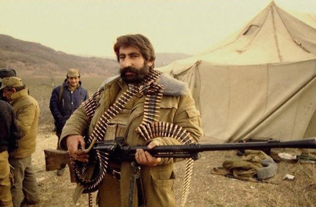 А в Карабахе война
