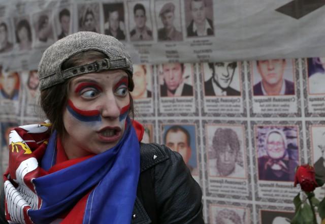 """Сербские протесты зазвучали украинскими """"майданными"""" лозунгами"""