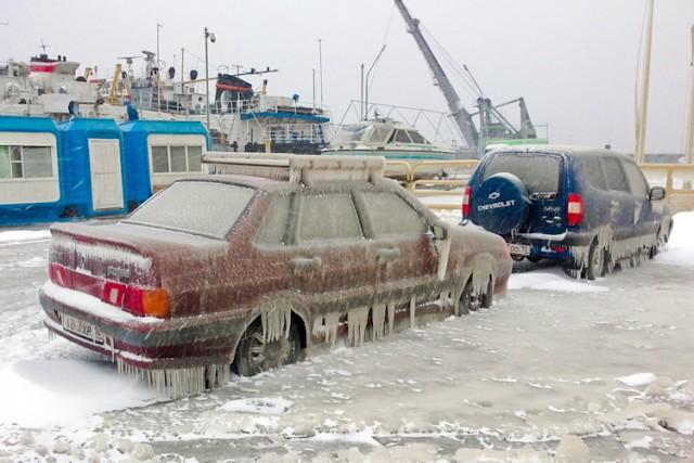 В Петрозаводске разгулялся ледяной шторм