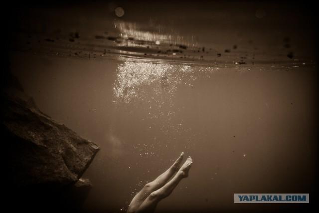 Фотограф Нейл Крейвер и его подводная эротика (16+)