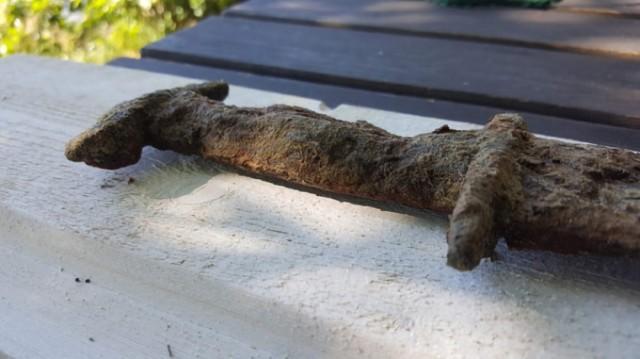 Восьмилетняя девочка нашла в шведском озере меч, которому 1,5 тысячи лет