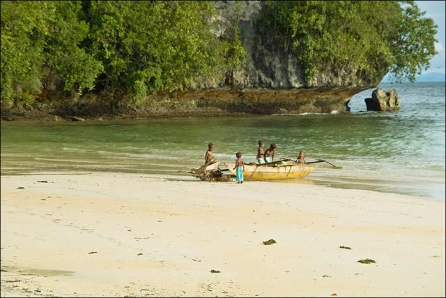 На катамаране. необитаемые острова Индонезия