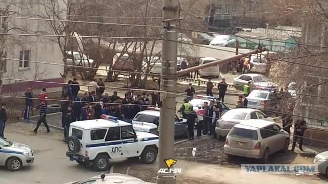Массовая потасовка с участием полицейских произошла в Новосибирске
