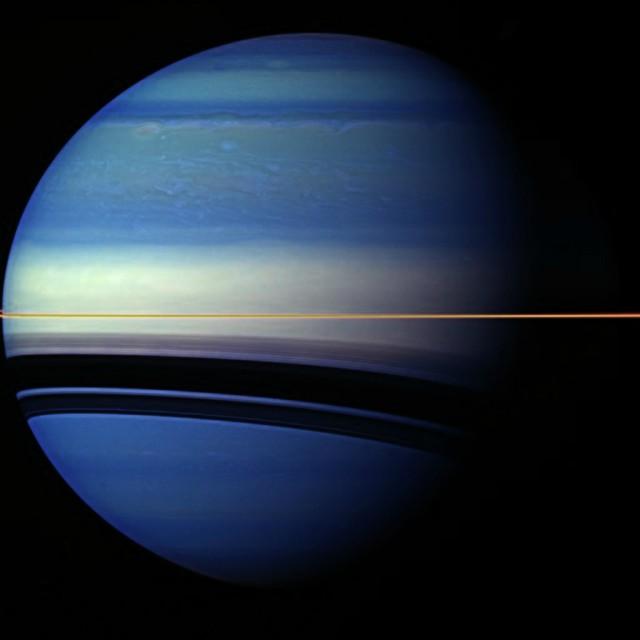 """Сатурн в объективе аппарата """"Кассини"""""""