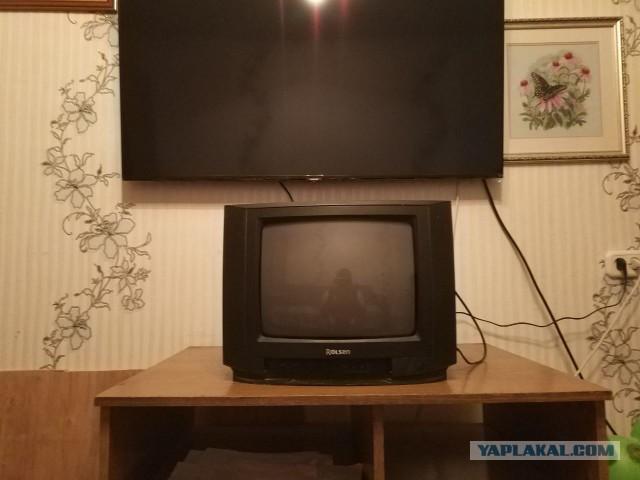 Отдам телевизор в гараж. Челябинск
