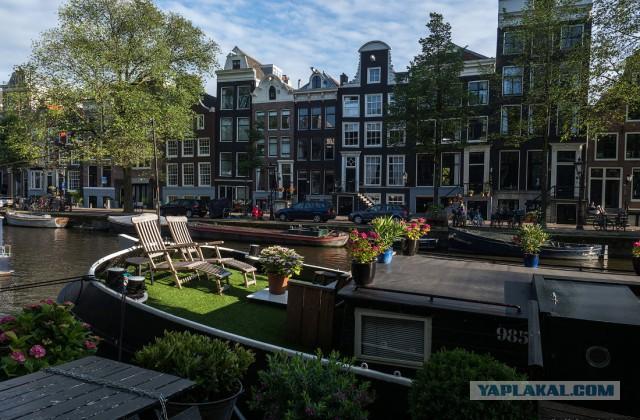 Амстердам. Для взрослых. 16+