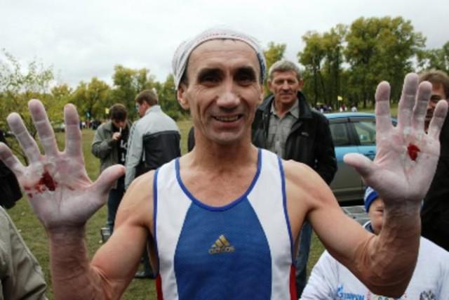 Красноярец побил мировой рекорд по подтягиванию за 30 минут