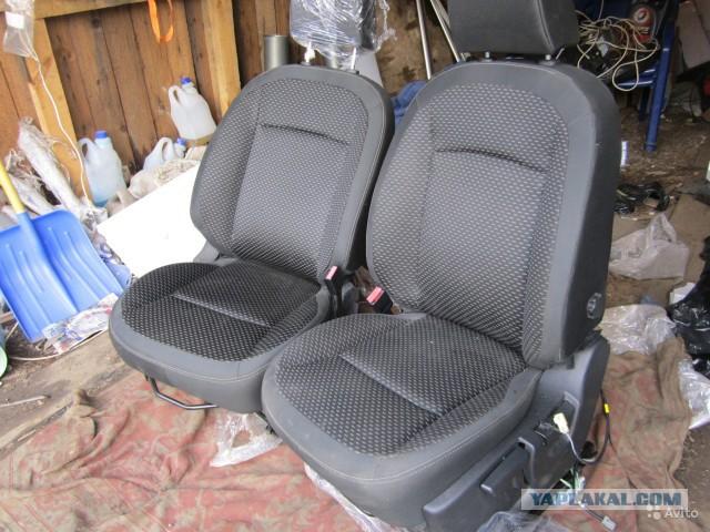 Продам передние кресла с подогревом от Кашкая. СПБ.