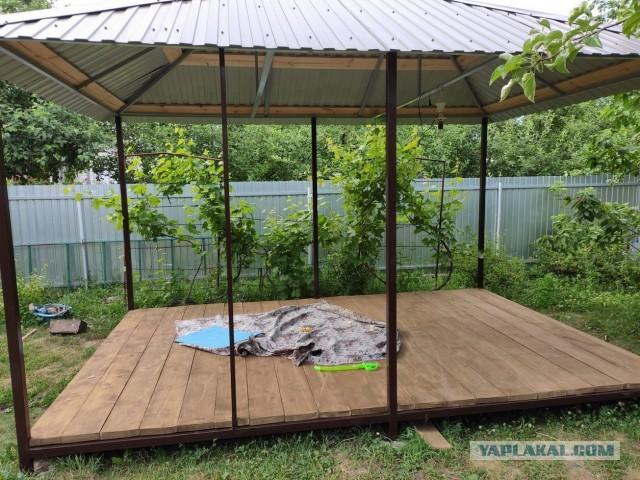 Строительство садовой беседки