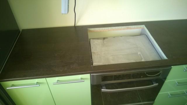 Устанавливаем столешницу на кухне своими руками 514