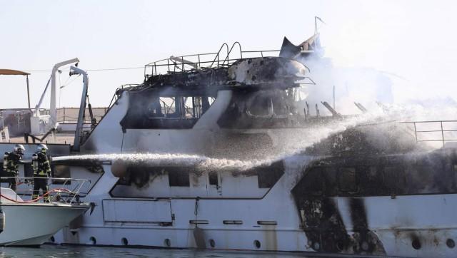 Шикарной яхте пришел конец - выгорела до тла, восстановлению не подлежит