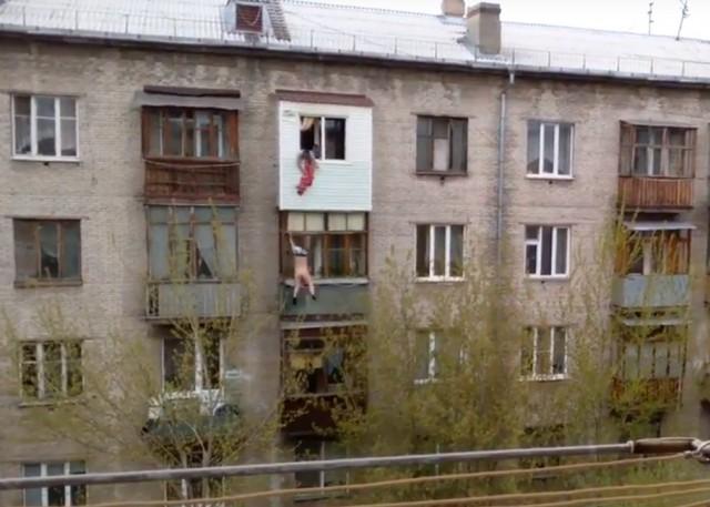 Падение девушки с 5 этажа