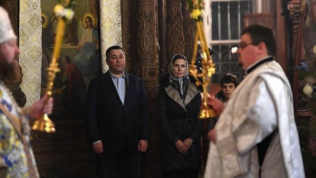 "Тверским чиновникам подали ""Ласточку"" до храма"