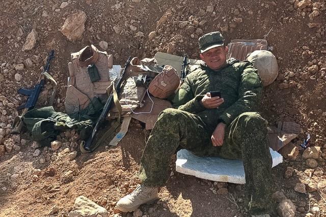 «Он погиб не за нефть»: в Волгограде вдова погибшего в Сирии офицера добилась признания его ветераном