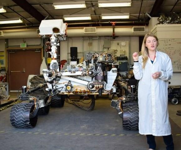 Для тех, кто представлял, что марсоход Curiosity размером с собачку