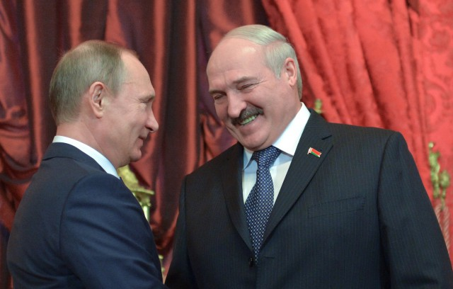 Москва согласилась почти на треть снизить цену на газ для Белоруссии