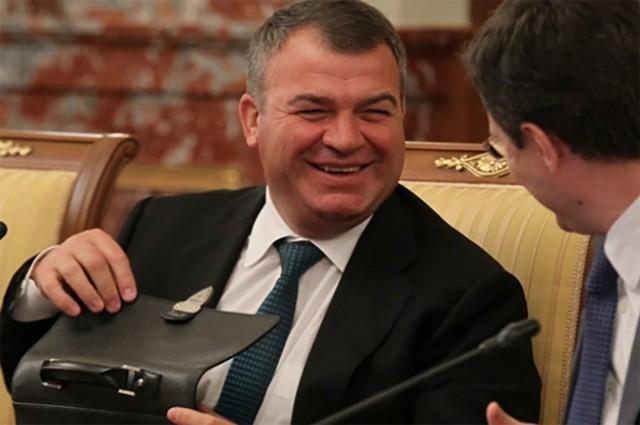 The Washington Post: экс-министр обороны России Сердюков даже на своем посту оставался настоящим другом США