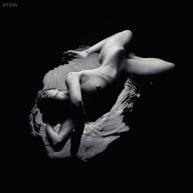 Странная черно-белая эротика - 7