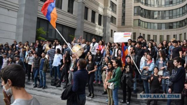 Протесты в Армении не утихают