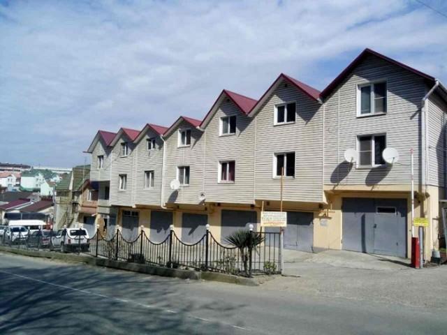 «Русские фавелы»: Как обычные гаражи в Сочи превратись в доходные многоэтажные дома