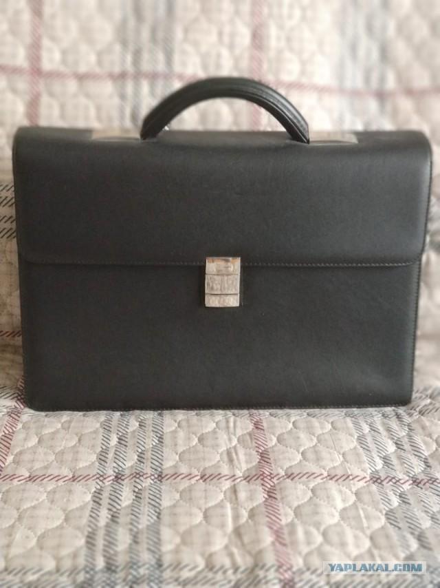 Продам портфель кожаный