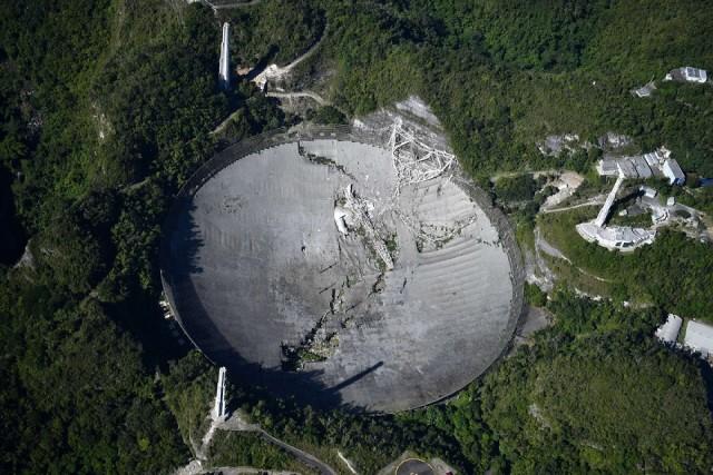 Телескоп «Аресибо» все же рухнул