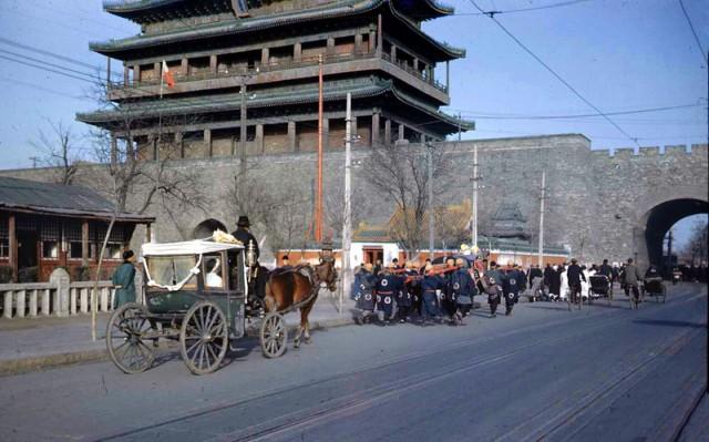 Пекин середины прошлого века в цвете