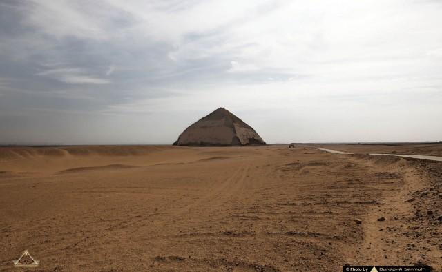 Южная пирамида Дахшурского некрополя в 100 фотографиях