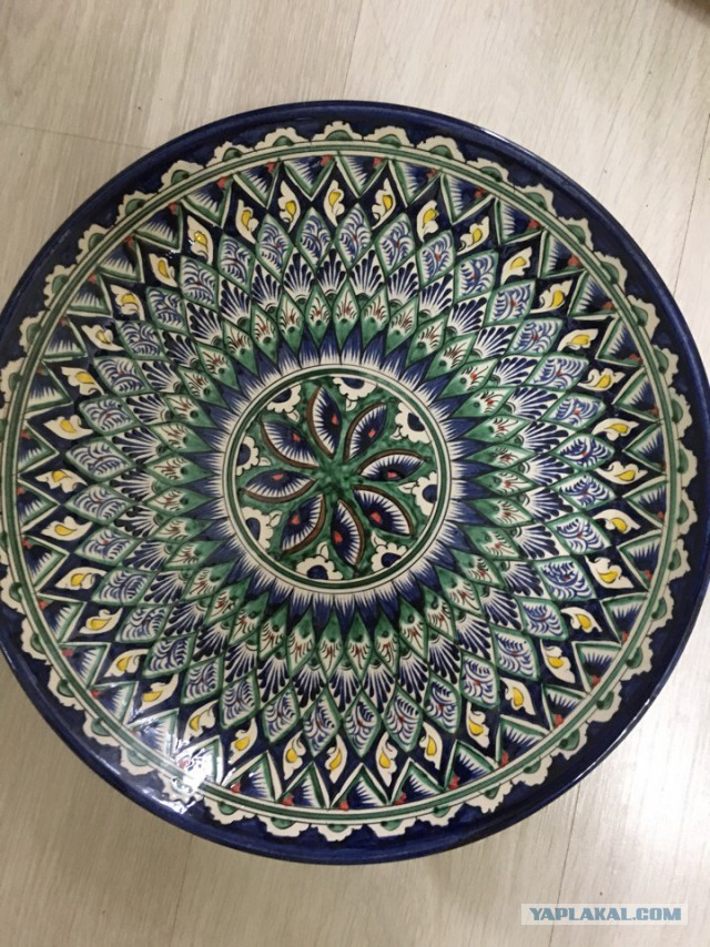 Национальная посуда из г. Риштан, ручная роспись