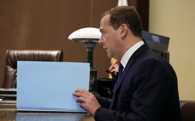 Медведев посоветовал «Роскосмосу» «меньше говорить и больше делать»