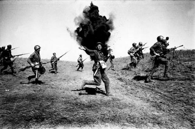 Фото атак времен Великой Отечественной Войны.